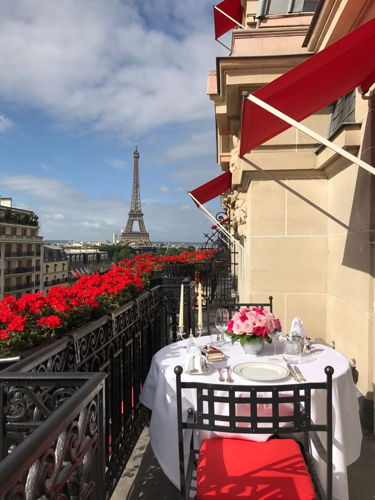 Dinner With A View Hôtel Plaza Athénée Paris Dcmoments