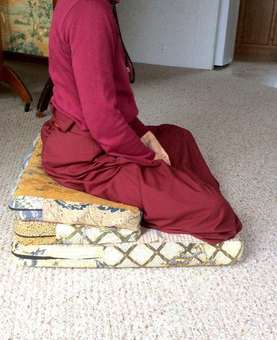 Cojín de meditación doblado muy suave. uno sólo Remiendo de