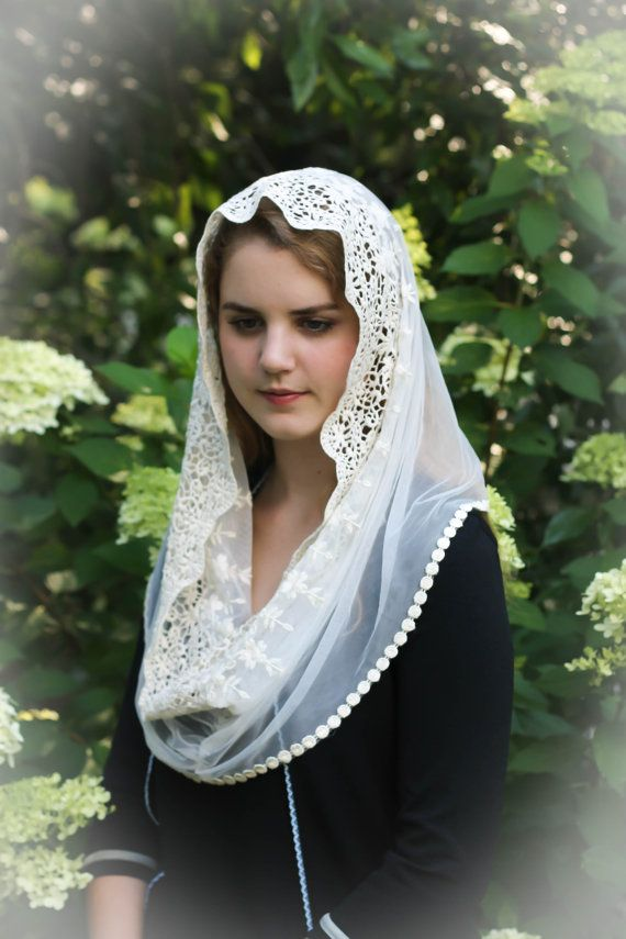 Evintage Veils Traditional  Ivory Lace French by EvintageVeils