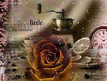 Анимация Чашка с кофемолкой, блюдце с лимонами, часы, цветок, на фоне надписи