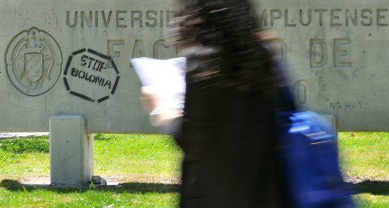 El proyecto de grados de tres años complica la ordenación universitaria / @elpais_sociedad   #universidadencrisis