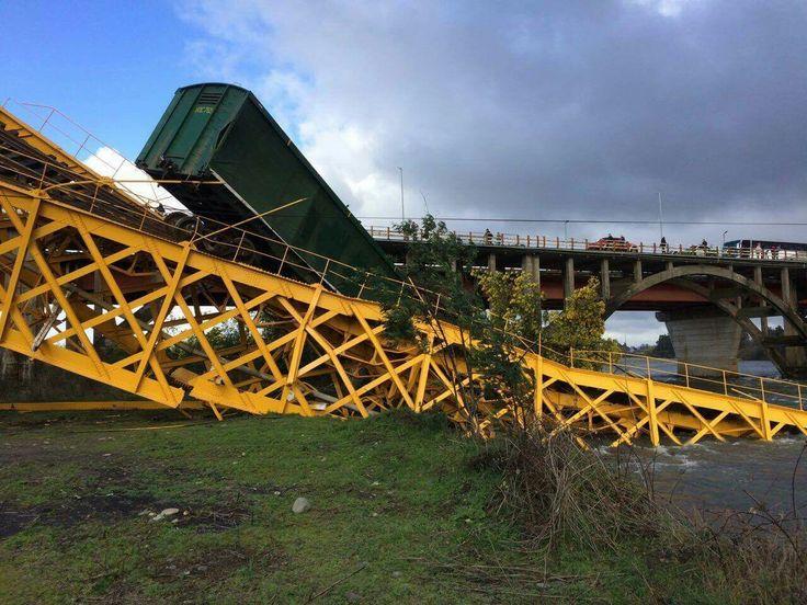 Pitrufquén, derrumbe de puente..