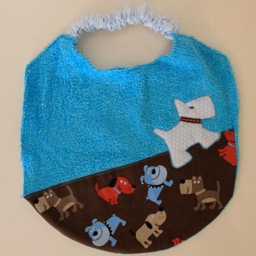 Bavoir élastique, motif chien - Elastic bib, dog design http://www.alittlemarket.com/mode-bebes/bavoir_chien_en_coton_eponge_et_lien_elastique-1360102.html