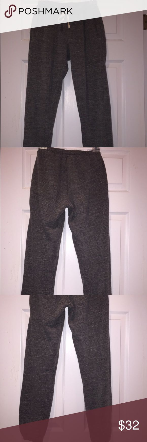 """Nwt Brandy Melville Rosa Sweatpants one size Insanely soft! Women's Brandy Melville rosa sweatpants. Retail price $35. Brand new with price tag, price tag fell off but will be included with the purchase. Heather grey, skinny leg. Drawstring and elastic waist. One size but fits small to medium. 10"""" rise 29"""" inseam 11.5"""" waist. Thanks for looking! Brandy Melville Pants Track Pants & Joggers"""