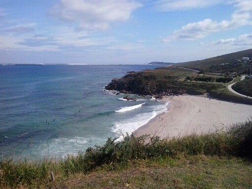Vista da praia de Valcobo.