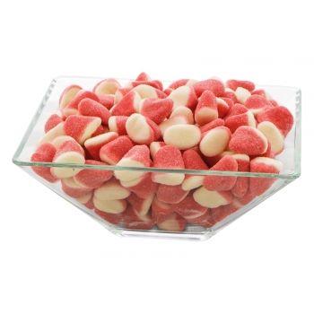 Daca iti place gustul de capsuni, aceste jeleuri in forma de con or sa-ti indeplineasca cerinta.