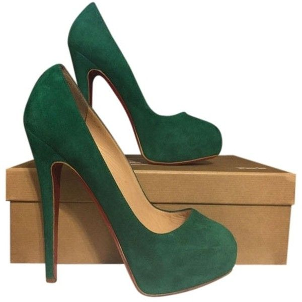 Pre-owned Christian Louboutin Miss Clichy Suede Platform Emerald Green... (6.882.360 IDR) ❤ liked on Polyvore featuring shoes, pumps, emerald green, suede pumps, hidden platform pumps, emerald green pumps, almond toe pumps and emerald green shoes