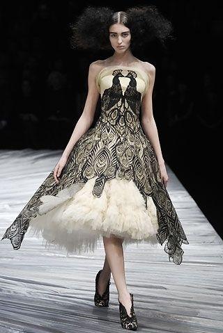 27935f4eacfd8a37e5cec7c30980b764 peacock dress peacock wedding dresses