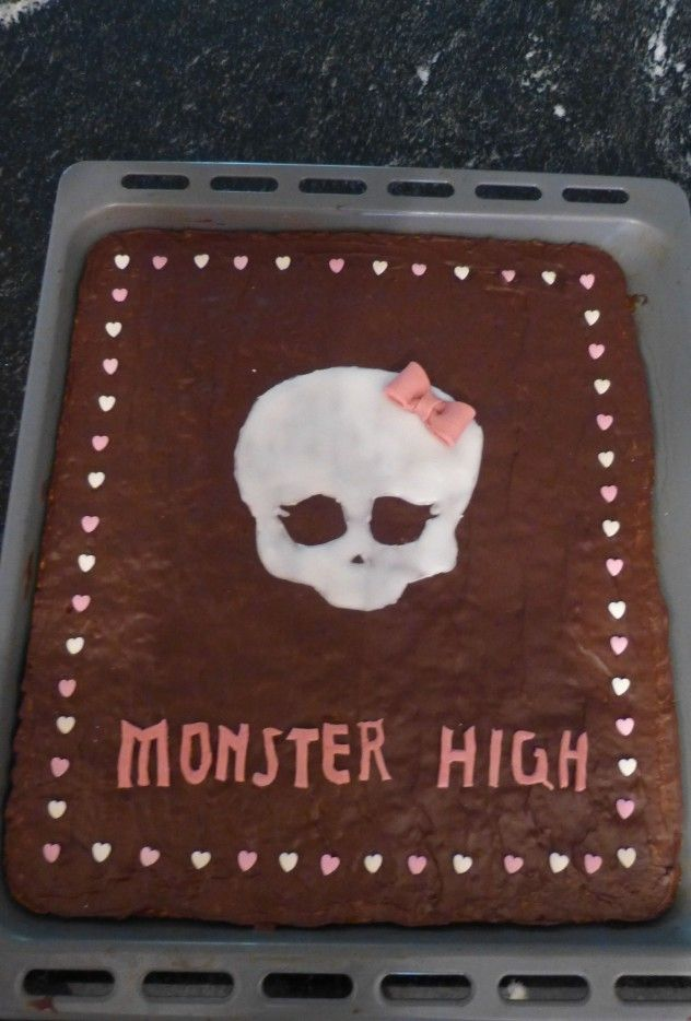 monster high torte backen