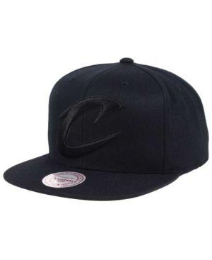 Mitchell & Ness Cleveland Cavaliers Team Snapback Cap - Black Adjustable