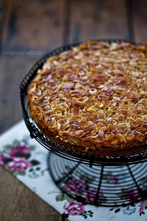Toscakaka - ciasto ucierane z migdałami w karmelu