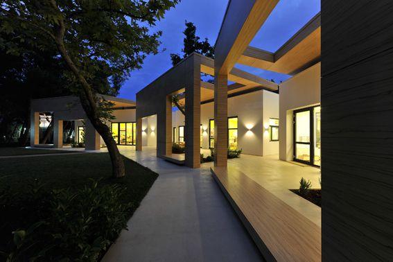 ΝΗΠΙΑΓΩΓΕΙΟ ΓΕΡΜΑΝΙΚΗΣ ΣΧΟΛΗΣ ΑΘΗΝΩΝ, ΜΑΡΟΥΣΙ ΑΤΤΙΚΗΣ - ΕΛΛΑΔΑ - Σύστημα Αλουμινίου: Schüco - Αρχιτεκτονική Μελέτη: Potiropoulos+Partners - Τεχνική/Κατασκευαστική Εταιρία: ΠΛΕΘΡΟΝ ΚΑΤΑΣΚΕΥΑΣΤΙΚΗ - Χρώμα: 501 Sahara Black