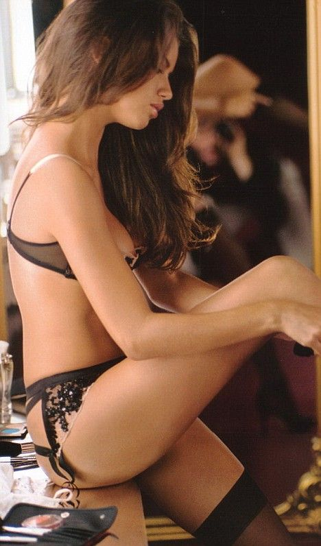 Gisele, Adriana and co sizzle in red hot Victoria's Secret backstage shots, Sexy babe