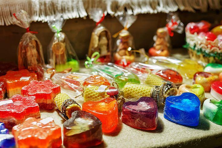 Gyerekkel készíthető ajándékok - Zselészappan karácsonyra - Lurkovarázs.hu - Kreatív feladatok gyerekeknek