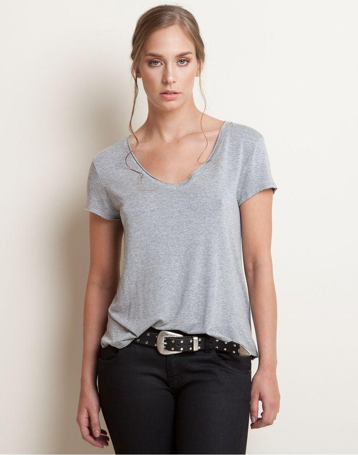camiseta-140256-gris-1.jpg