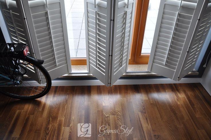 Shutters Jasno Primewood Salon, system przesuwno-skadany. http://www.gamastyl.pl/oferta/shutters-okiennice