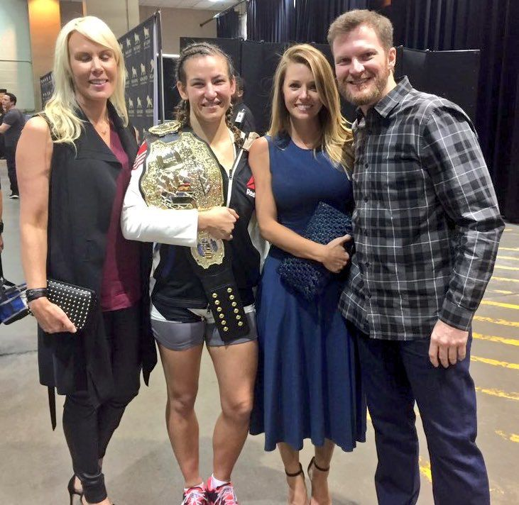 Dale Jr., Amy, DeLana Harvick & Meisha Tate - UFC196