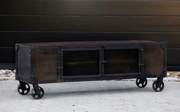 Tv bord på hjul