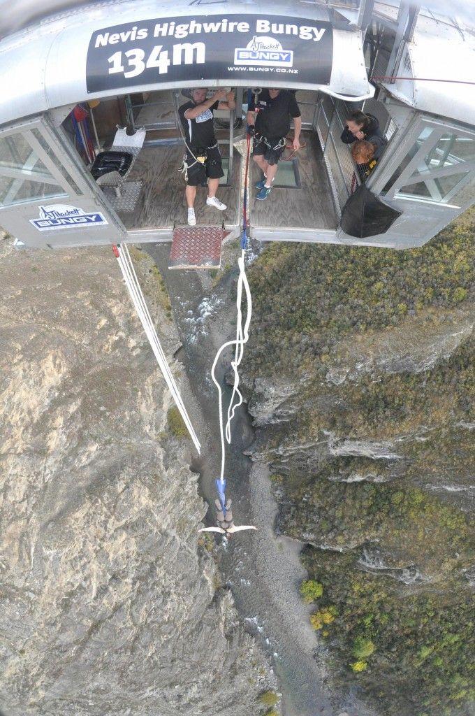 J'ai testé le saut à l'élastique le plus haut d'Océanie, le Nevis à une 134m de hauteur. Photos et vidéos à découvrir.