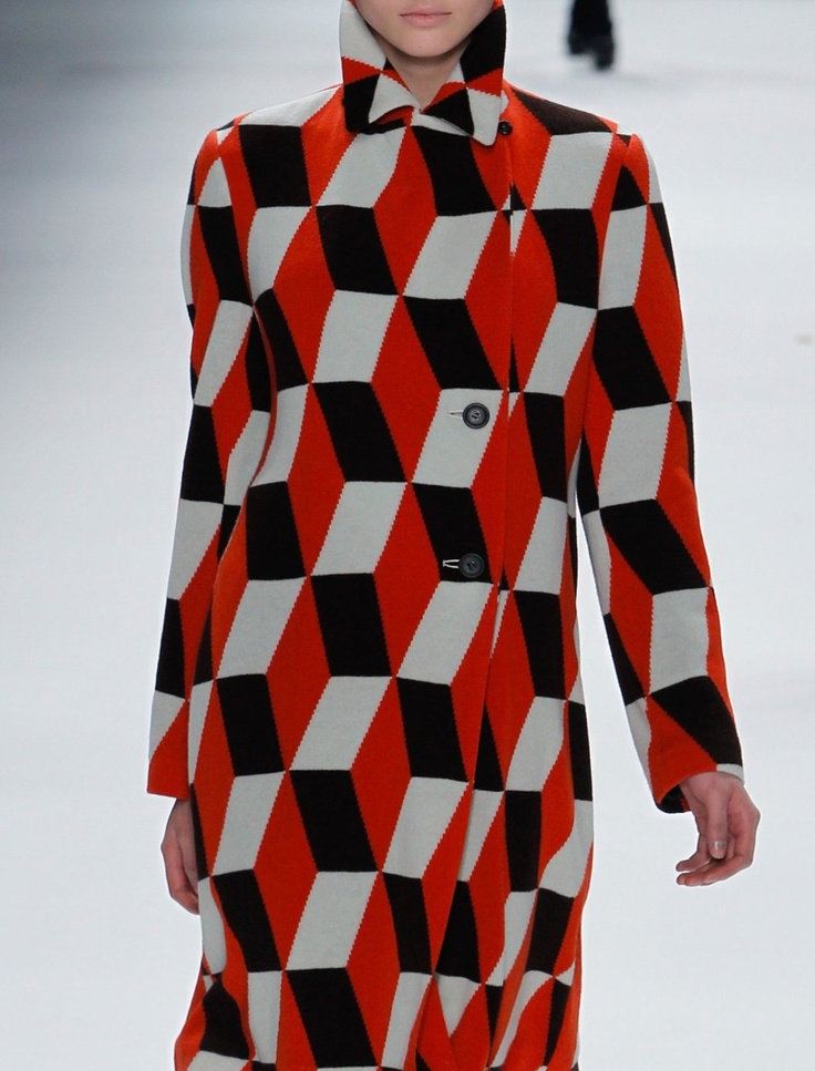 Issey Miyake coat: Optical Illusions, Fashion Style, Coats Patterns, Fashion Design, Prints Clothing, Issey Miyake, Arthur Elgort, Miyake Coats, Fall 2011