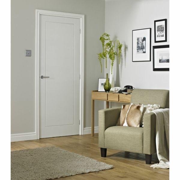 puertas blancas de madera