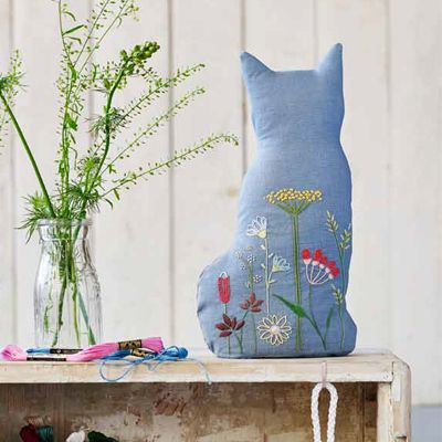 Follow our step-by-step guide and you'll have the most gorgeous embroidery project done in no time. This DIY doorstop makes a great gift