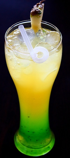 6 Alcohol-Free Drinks:  Virgin Raspberry Daiquiri, Watermelon Lemonade, Raspberry Spritzer, Blueberry Shrub, Cherry Lime Virgin Rickeys, Blackberry Elderflower Spritzer with Mint