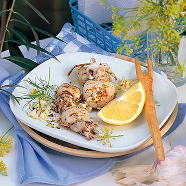 Tintenfische gegrillt mit Knoblauch
