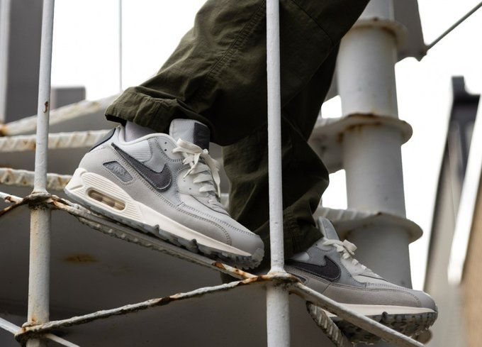 Ad: ALMOST LIVE via SNEAKRS The Basement x Nike Air Max 90 'London ...