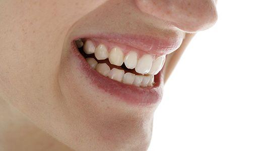 Harte Schale - weicher Kern. Auch wenn man es von außen nicht vermutet: Unter seiner harten Oberfläche besitzt der Zahn einen weichen, höchst empfindlichen Kern.