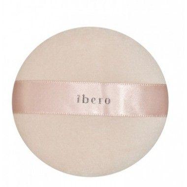 A powder puff from Ibero.  Puuteripuffi - Ibero Boutique