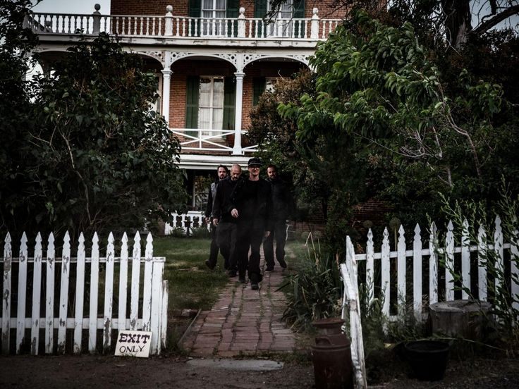 Ghost Adventures : The guys outside the Mackay Mansion in Virginia City, Nevada.