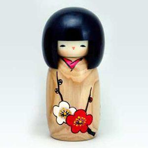 BESTJAPAN |Japanese Kokeshi Doll - Hanamonogatari Momiji #kokeshi #japanese #usaburo #japan