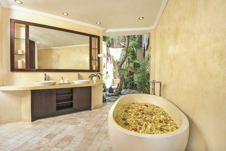 Villa 4 bathroom at Villa Kubu, Seminyak, Bali