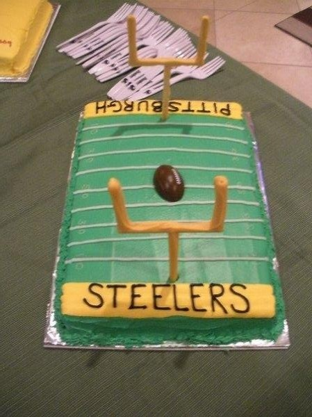 Cake Decorating Football Field : Football Field Cake Baked Black and Gold Pinterest ...