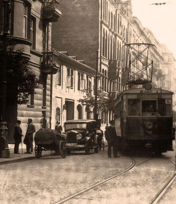 Przedwojenna Kolejka EKD na Nowogrodzkiej, fot. lata '30.,   źr. omni-bus.eu