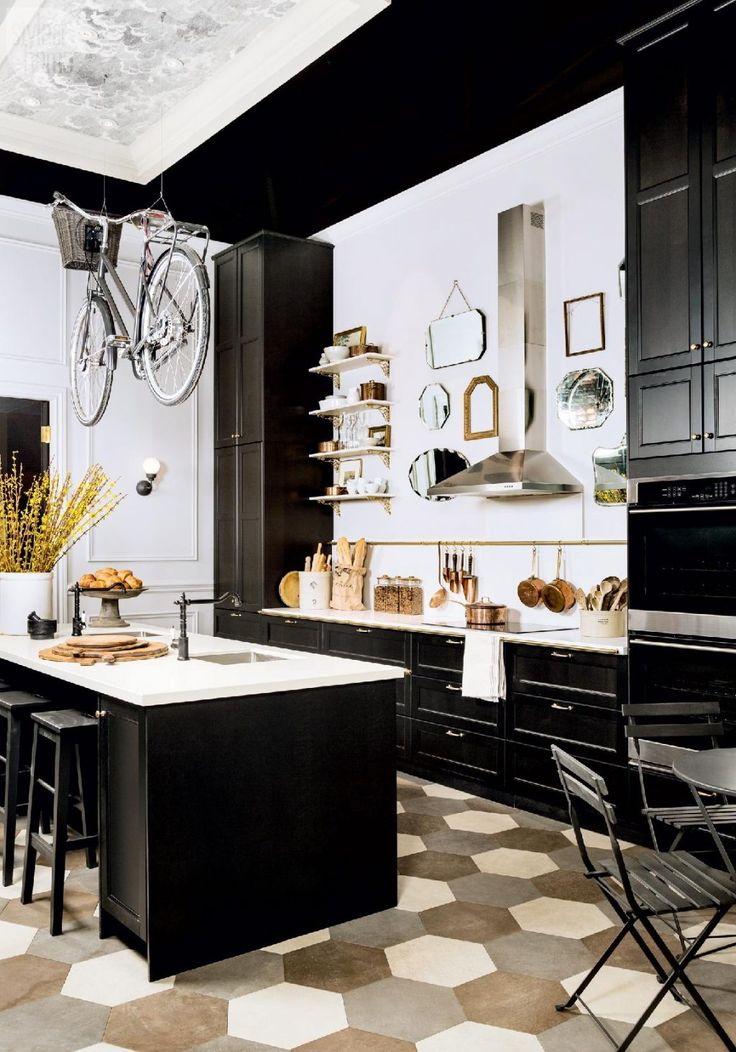 paris bistro kitchen style. black white kitchen.