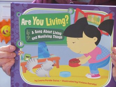 Exploring Living and Non-Living on the Magnet Board (from Teach Preschool)
