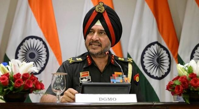 """New Delhi: The Indian army told the Pakistani military on Tuesday that the mutilating bodies of two soldiers was a """"dastardly and inhuman act"""" which called for a response and unequivocal condemnation. পাক সেনার বর্বরতা নিয়ে হটলাইনে পাকিস্তানকে চরম সতর্কবার্তা ভারতের India's..."""