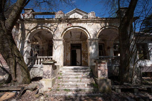 Halo tu Wawer (i okolice): Wegetarianizm nad Świdrem, czyli o dworku Bojarów