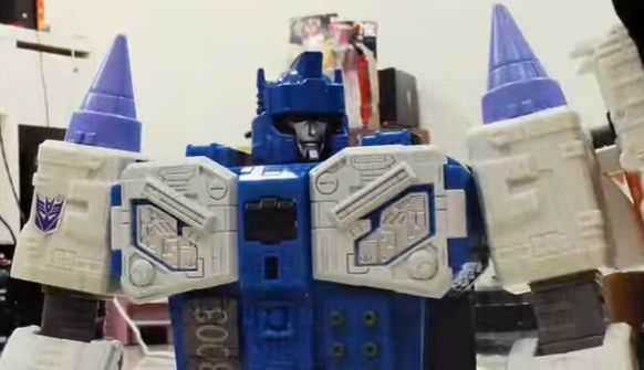 Transformers Titans Return Sponsored Stop Motion Video - Optimus and Hot Rod vs Overlord!