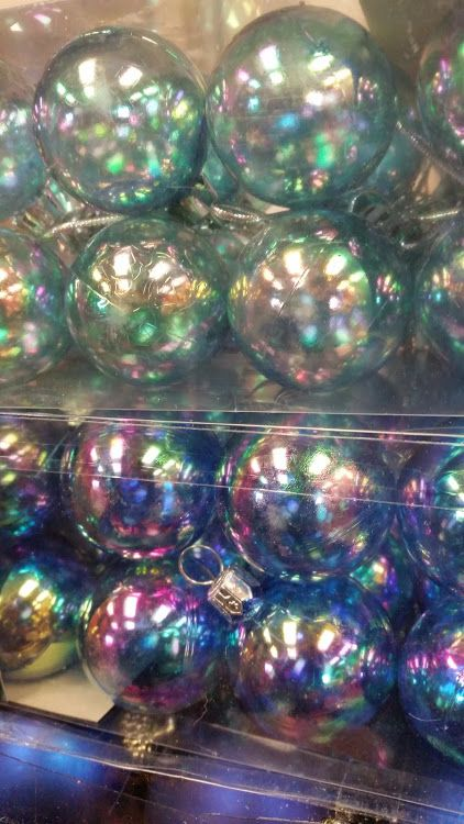 TONS of baubles, great quality (new) & a great price Come and pick up some decorations today #collingwood #festive