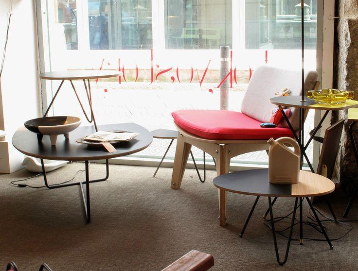 """Tokyo Story es una tienda donde encontrarás """"mobiliario vintage de los años 50 a 70, mobiliario francés de jardín e industrial, alemán y americano de los años 50, mobiliario técnico suizo y en general piezas raras de estas décadas que no estén reeditadas o que no hayan trascendido, piezas de artesanos, industriales, etcétera."""""""