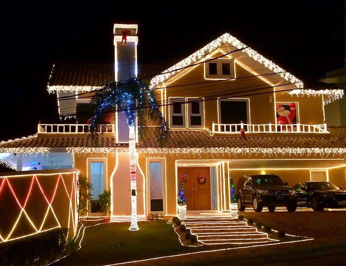 Fachadas de casas/lojas decoradas para o natal - veja modelos e dicas! Veja muito mais fotos, dicas e informações técnicas dessa fachada em Decor Salteado! É só clicar na imagem! ; - )
