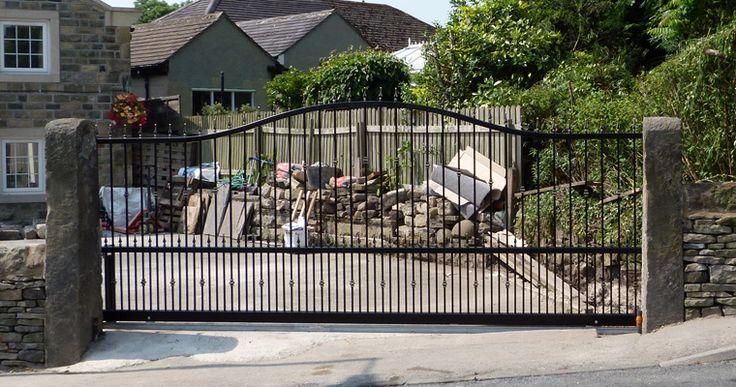 17 best ideas about electric sliding gates on pinterest for Aluminum driveway gates prices