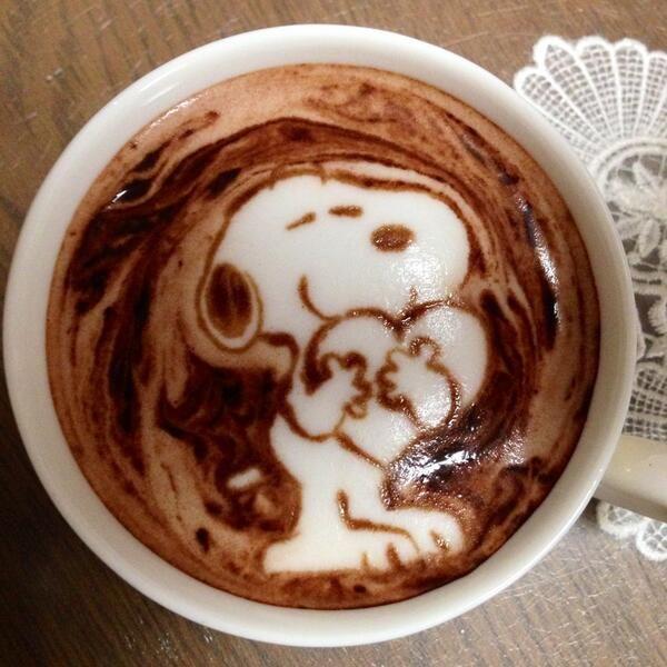 Hot chocolate latte art Of Snoopy