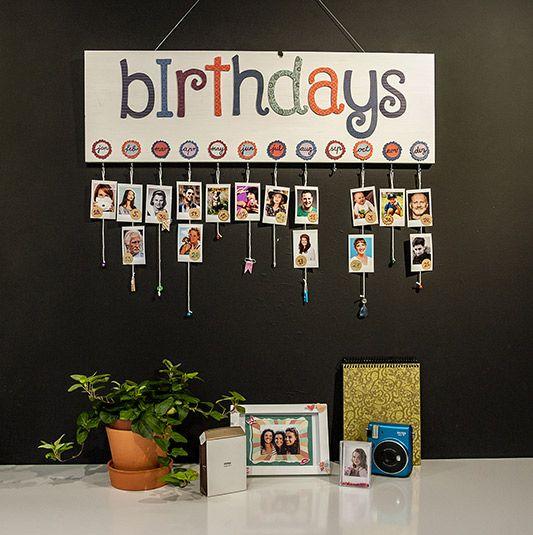 Bastele mit uns den kreativen instax Geburtstagskalender, der nicht nur alle Geburtstage Deiner Freunde und Familie zeigt, sondern auch ein Hingucker ist!