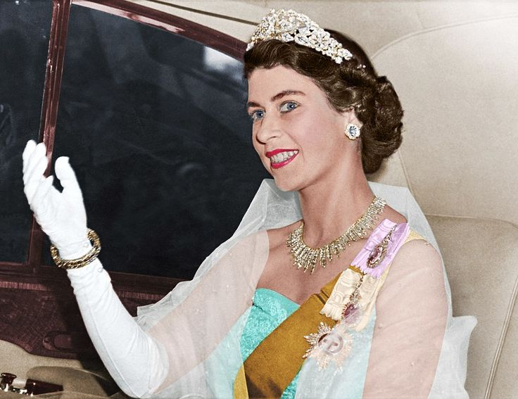 The tiara, which cost £5,000 in 1947 (equivalent to £189,000 today), was set with 1,033 diamonds and had three detachable roseshaped brooches. It was a wedding present from the Nizam of Hyderabad, an Indian monarch and one of the wealthiest jewellery collectors in the world