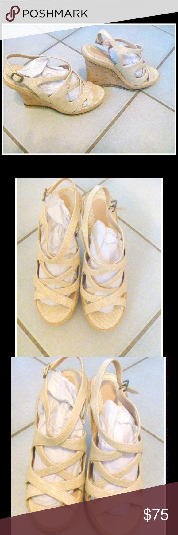 Colin Stuart ladies beige  wedge sandals 8B New Brand new Colin Stuart ladies wedge sandels size 8B Colin Stuart Shoes Wedges