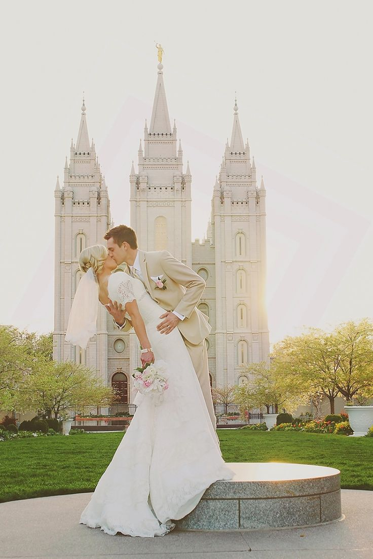 Matt & London Married / Utah Wedding Photographer / bridals / sunset bridals / salt lake temple wedding / groomals